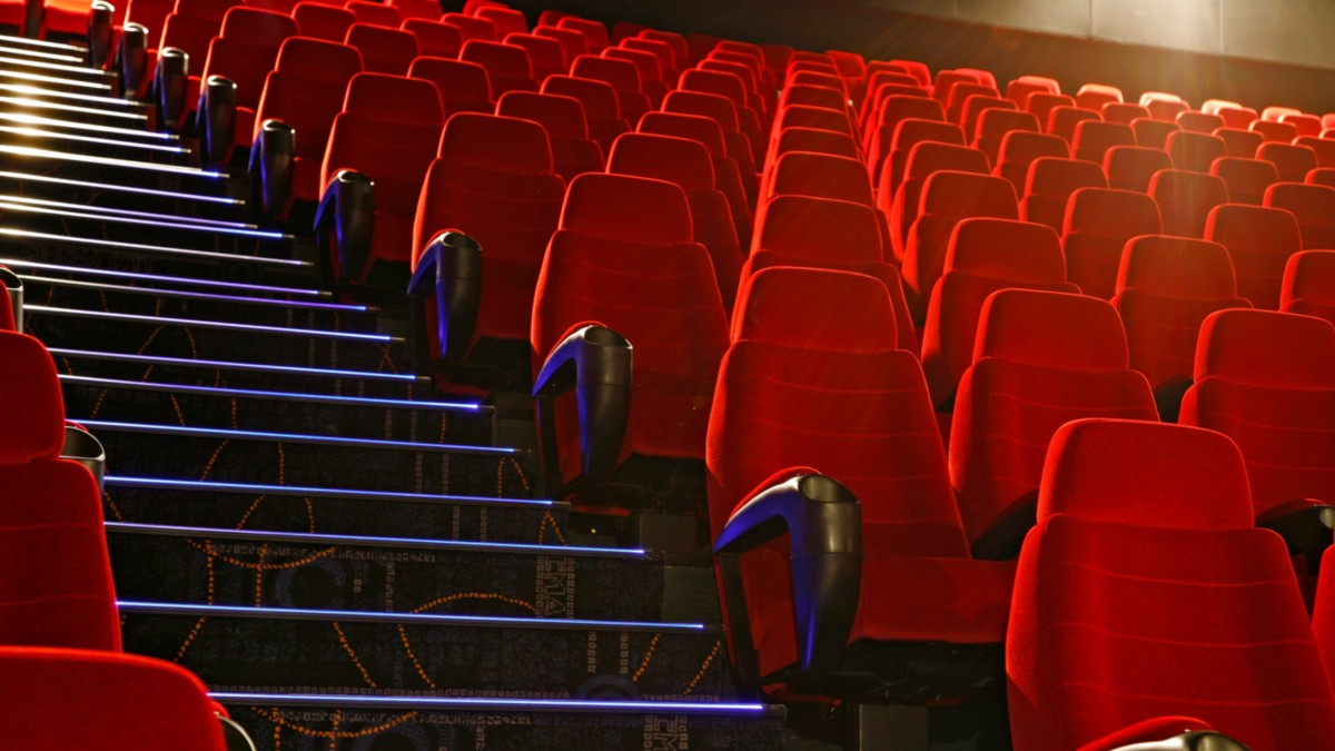 Consider Real Cinema Chairs for Your Home Cinema Seating